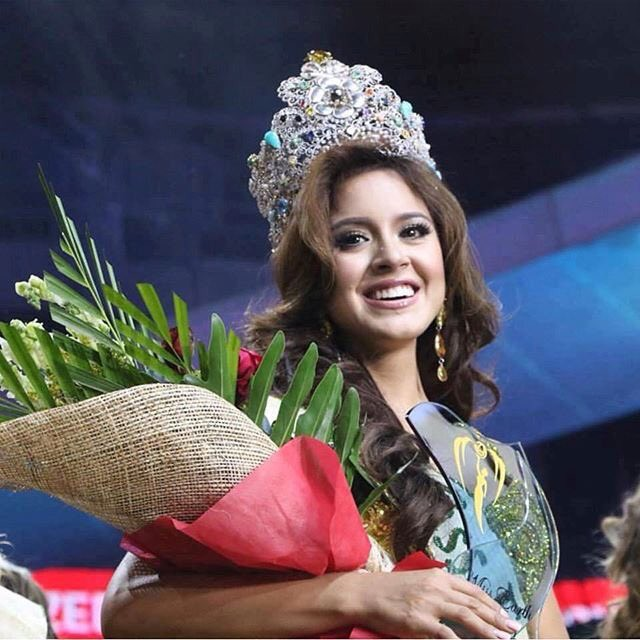 Miss Earth: Candidates degraded, organized pool, scandal - Photo 24.