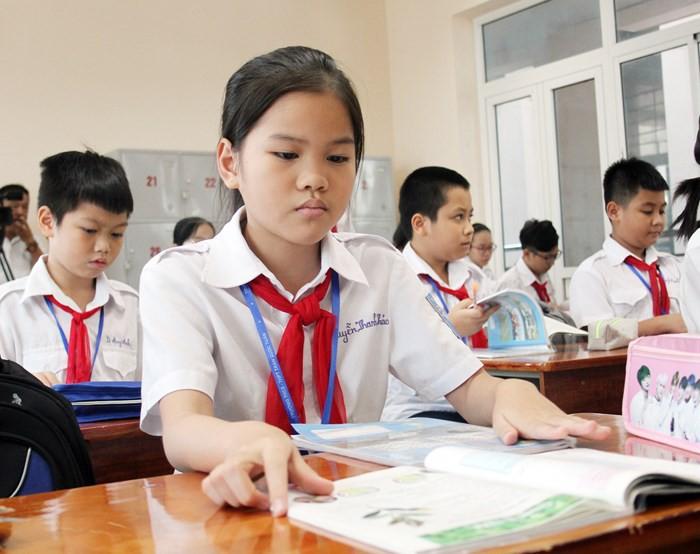 Chính phủ thống nhất chủ trương miễn học phí cho trẻ em mầm non 5 tuổi, học sinh THCS công lập - Ảnh 1.