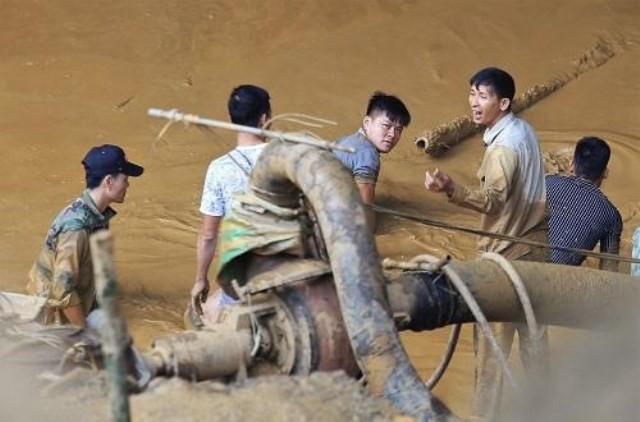 """Sập hầm vàng trái phép ở Hòa Bình: """"Mong tìm được thi thể chứ nằm dưới bùn lạnh lẽo lắm"""" - Ảnh 3."""