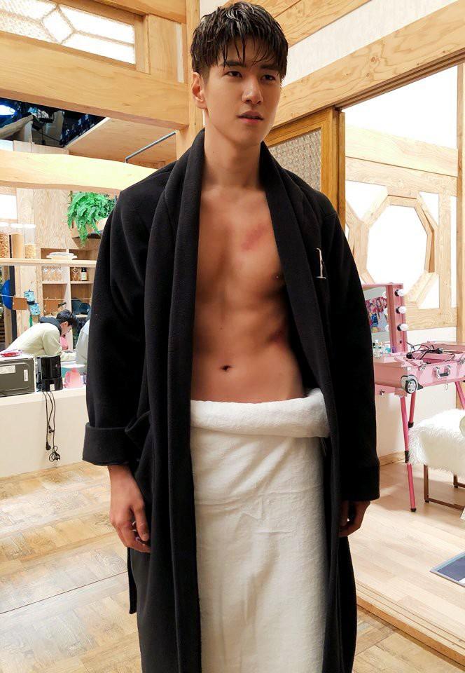 Phát sốt với chàng em út vừa cute vừa sexy trong Dae Jang Geum thế hệ mới: Múi bụng mới thật sự là cực phẩm - Ảnh 9.