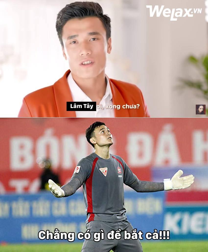 Thủ môn Đặng Văn Lâm trận Lào Việt Nam AFF CUP: Chẳng có gì để bắt cả - Ảnh 1.