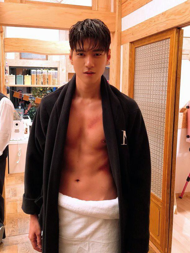 Phát sốt với chàng em út vừa cute vừa sexy trong Dae Jang Geum thế hệ mới: Múi bụng mới thật sự là cực phẩm - Ảnh 8.