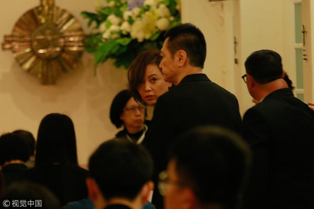 Lễ tưởng niệm Lam Khiết Anh: Trương Vệ Kiện buồn bã, chị gái lặng người trước di ảnh xinh đẹp của nữ diễn viên - Ảnh 4.