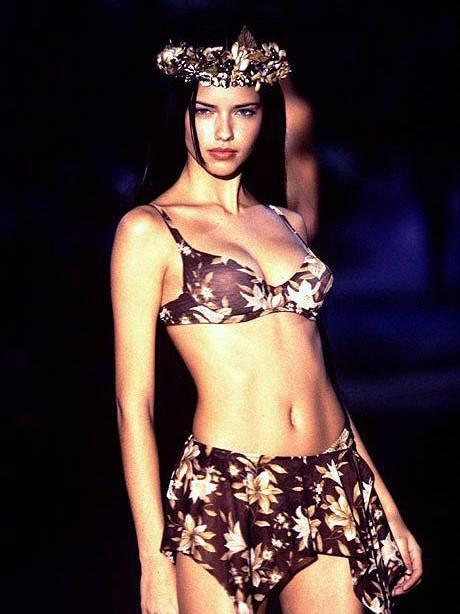 """Chia tay thiên thần khóc"""" Adriana Lima - cô gái dành cả thanh xuân để tỏa sáng trên sàn diễn Victorias Secret Fashion Show - Ảnh 4."""