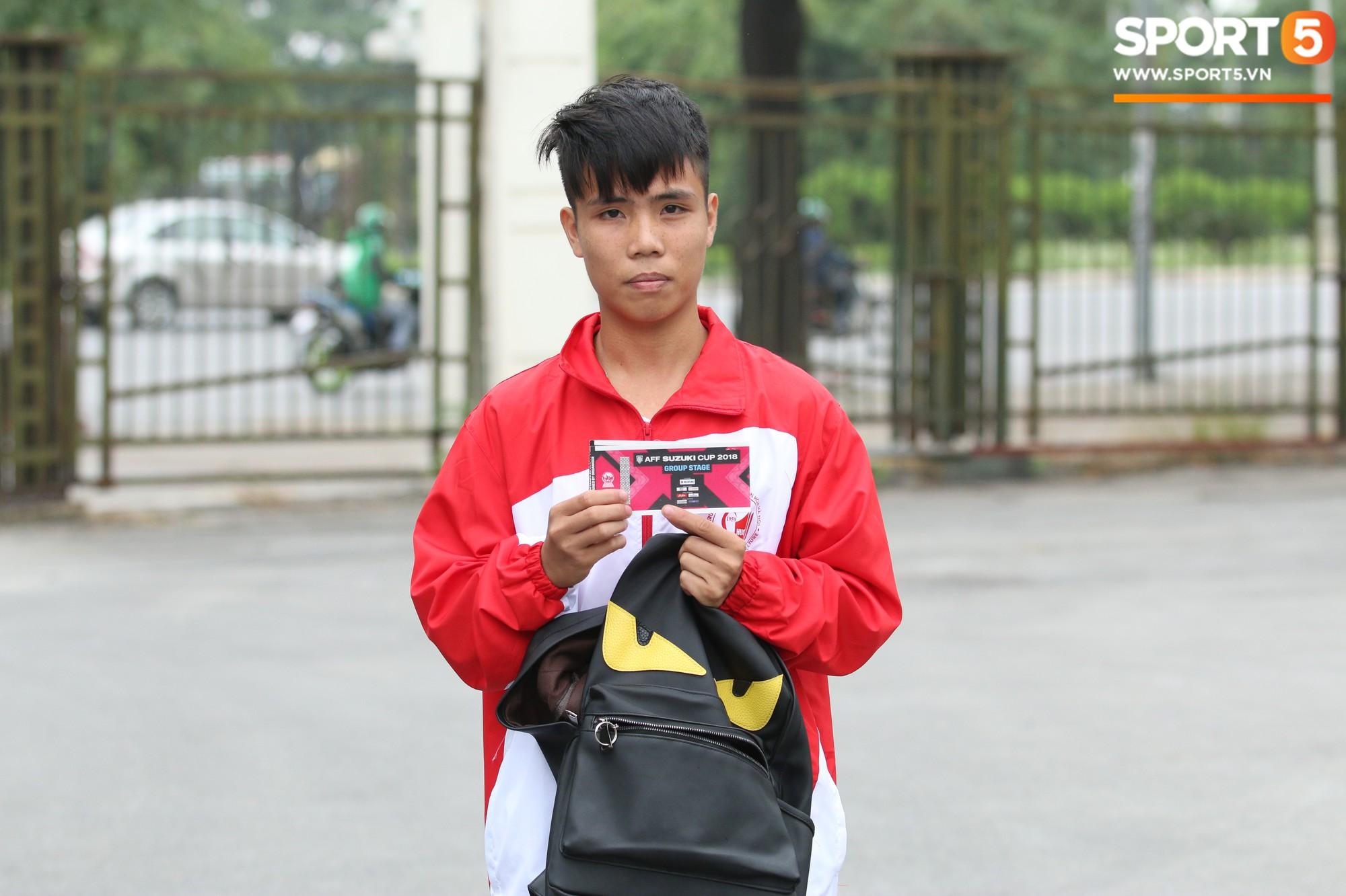 Bán vé AFF CUP 2018 trận Việt Nam - Malaysia trên Sân Mỹ Đình - Ảnh 5.
