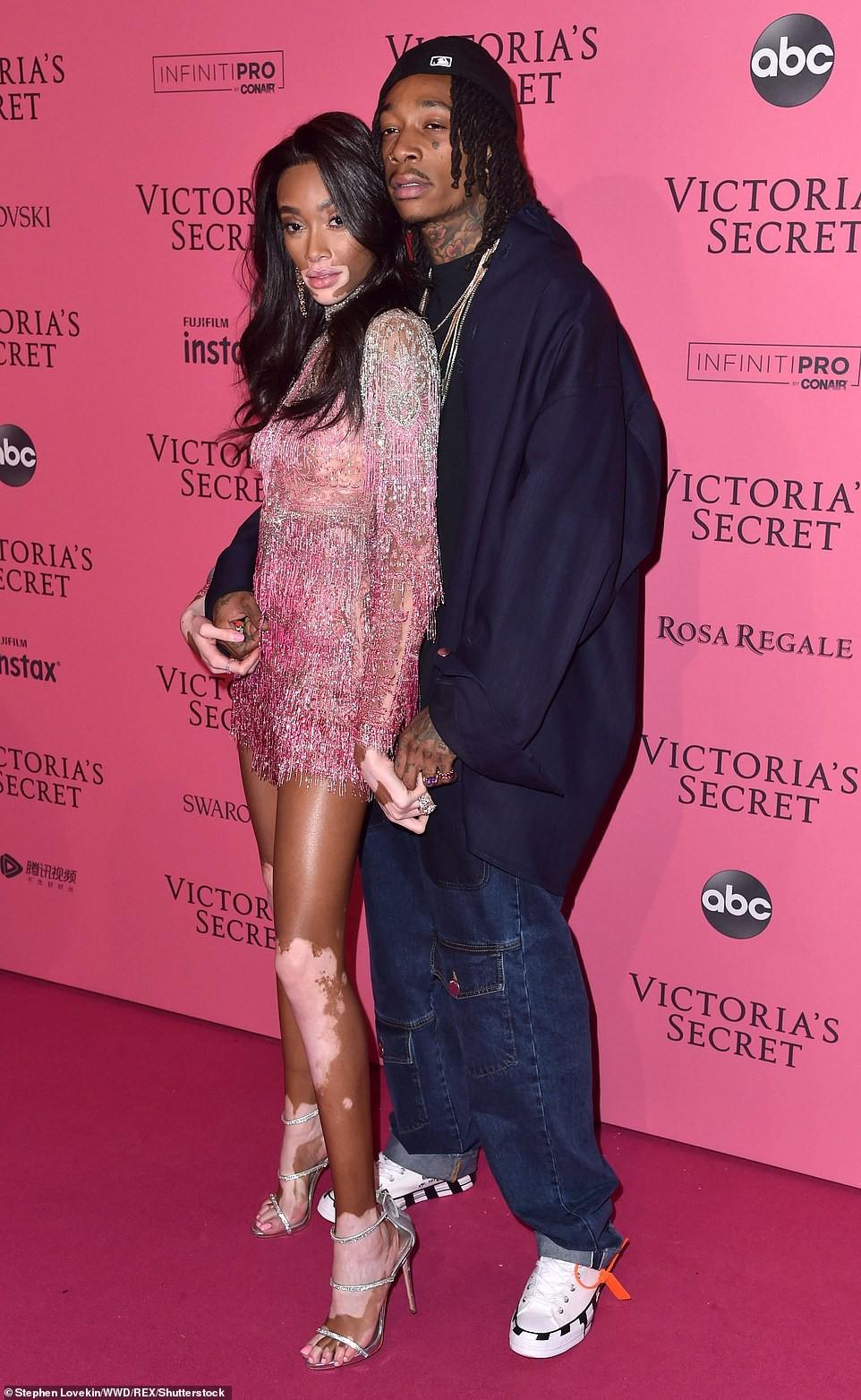 Thảm đỏ hậu show Victorias Secret: Dù không đẹp nhất, Bella Hadid vẫn nổi nhất dàn sao vì... lộ hết vòng 1 - Ảnh 9.