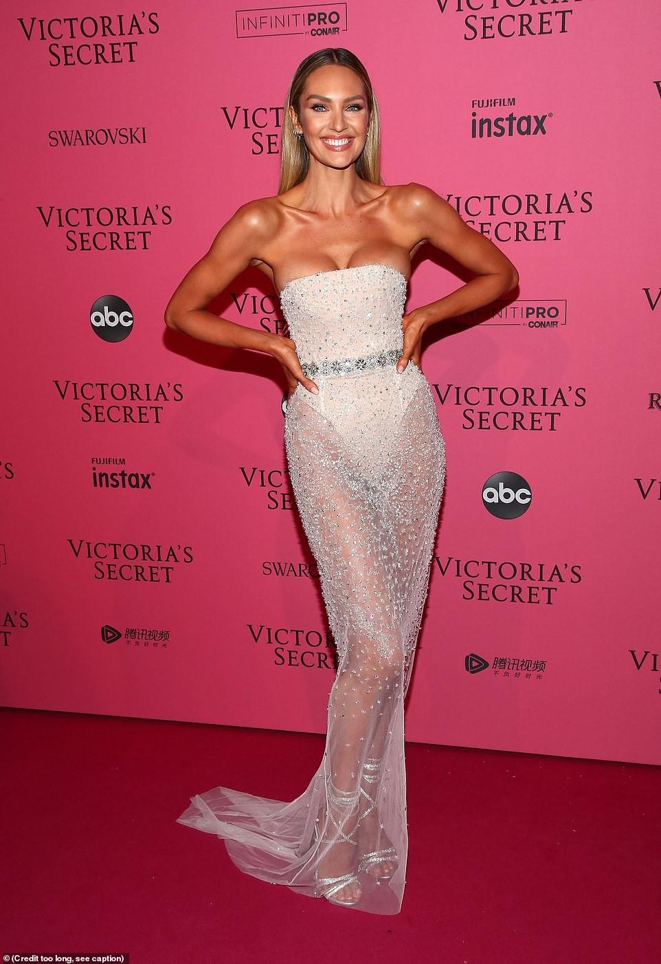 Thảm đỏ hậu show Victorias Secret: Dù không đẹp nhất, Bella Hadid vẫn nổi nhất dàn sao vì... lộ hết vòng 1 - Ảnh 10.