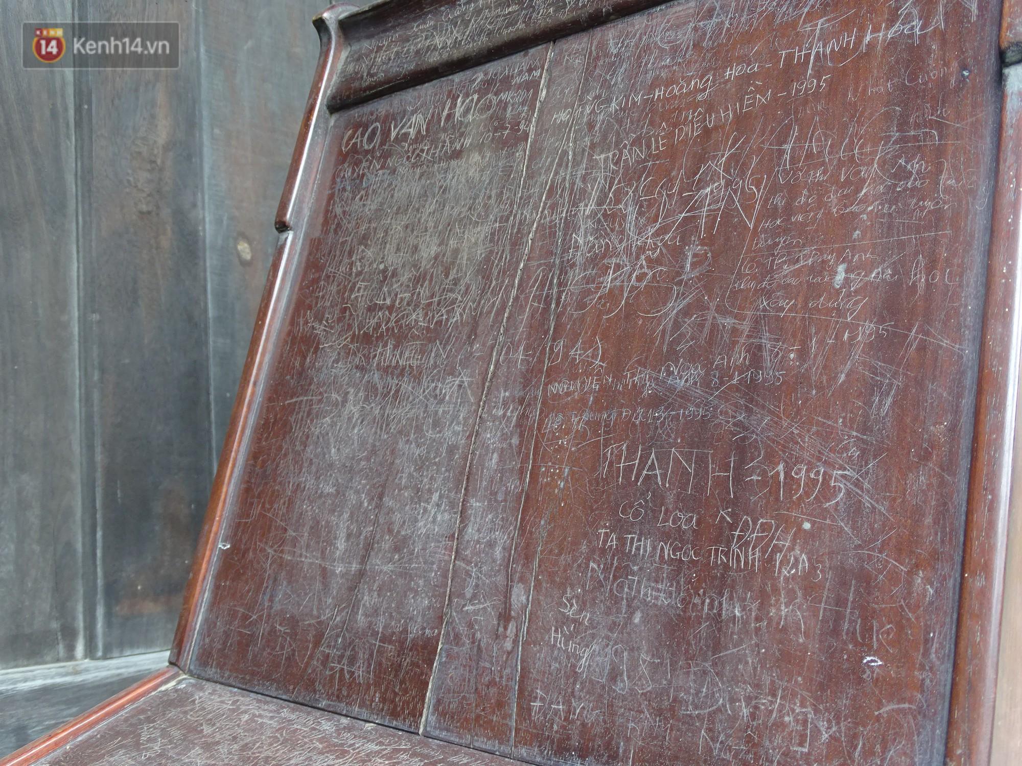 Từ những dòng chữ tiếng Việt tại điểm du lịch nước ngoài đến thói ký tên phản cảm trên di tích ở Hà Nội: Có thể cấm tham quan nếu cố tình tái xâm phạm - Ảnh 5.