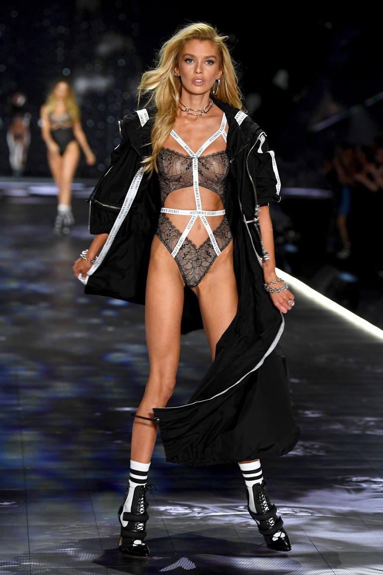 HOT: Chiêm ngưỡng những hình ảnh mãn nhãn của Victorias Secret Fashion Show 2018 - Ảnh 20.