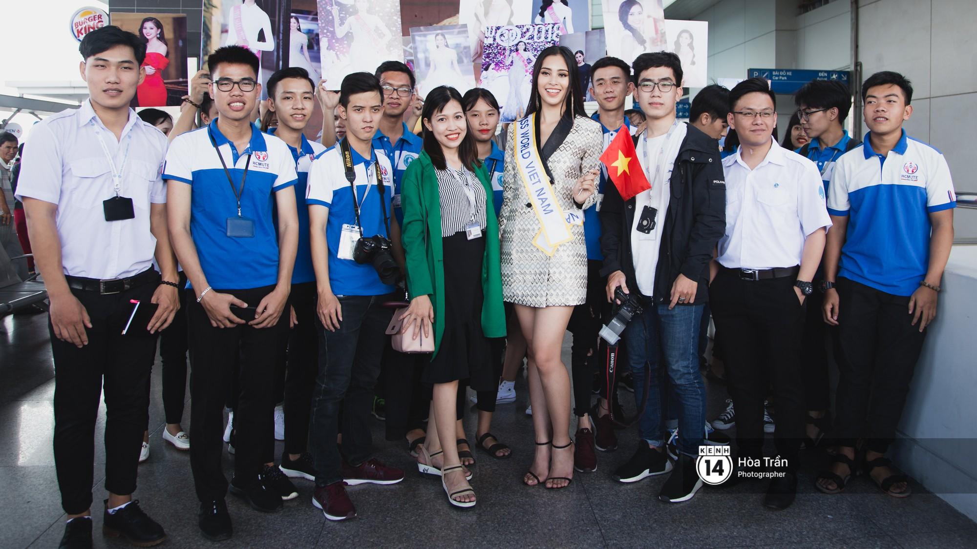 Mẹ cùng người hâm mộ tiễn Trần Tiểu Vy lên đường sang Trung Quốc chinh chiến Miss World 2018 - Ảnh 10.