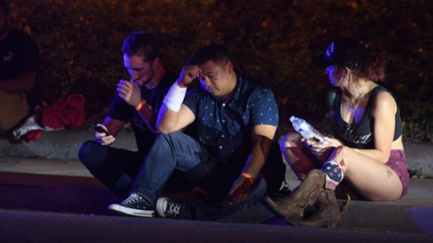 Danh tính nghi phạm xả súng sát hại 12 người tại nhà hàng ở Mỹ - Ảnh 1.