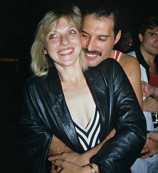 Câu chuyện về huyền thoại Freddie Mercury cùng người phụ nữ duy nhất mà ông yêu trong suốt cuộc đời - Ảnh 6.