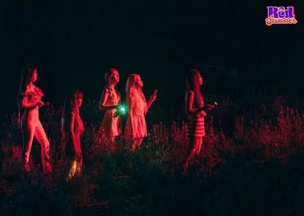 """Red Velvet """"bao ngầu"""" trong teaser mới, nhưng thuyết âm mưu này mới là điều khiến fan choáng váng - Ảnh 2."""