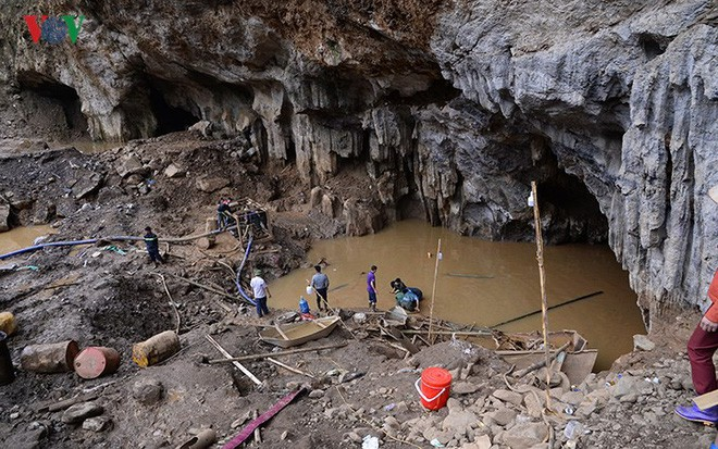 Sập mỏ vàng ở Hòa Bình: Hình ảnh cứu hộ ngày thứ 5 liên tiếp - Ảnh 4.