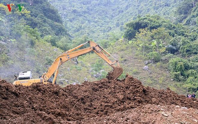 Sập mỏ vàng ở Hòa Bình: Hình ảnh cứu hộ ngày thứ 5 liên tiếp - Ảnh 6.