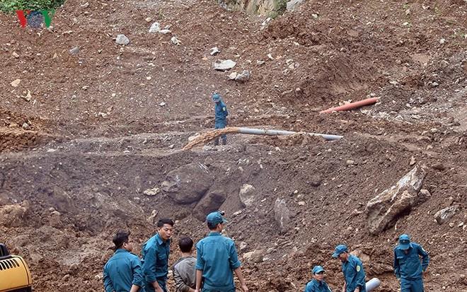 Sập mỏ vàng ở Hòa Bình: Hình ảnh cứu hộ ngày thứ 5 liên tiếp - Ảnh 9.