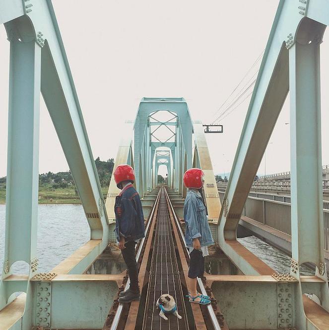 Cặp đôi giấu mặt, đội mũ bảo hiểm đỏ đang hot trên Instagram: Lên Đà Lạt vì thất tình ai ngờ gặp ngay chân ái! - Ảnh 14.