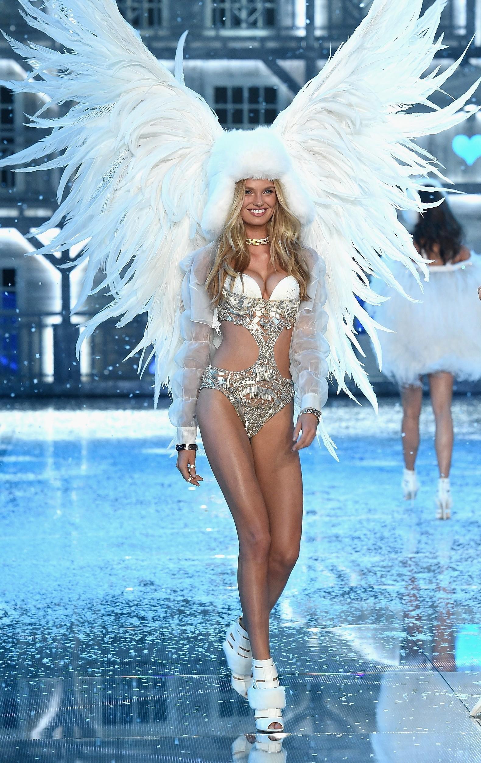 Có điều, đôi cánh này được sinh ra không chỉ dành riêng cho Gizele. Bởi vào năm 2015, nó từng được khoác lên Thiên thần Romee Strijd.