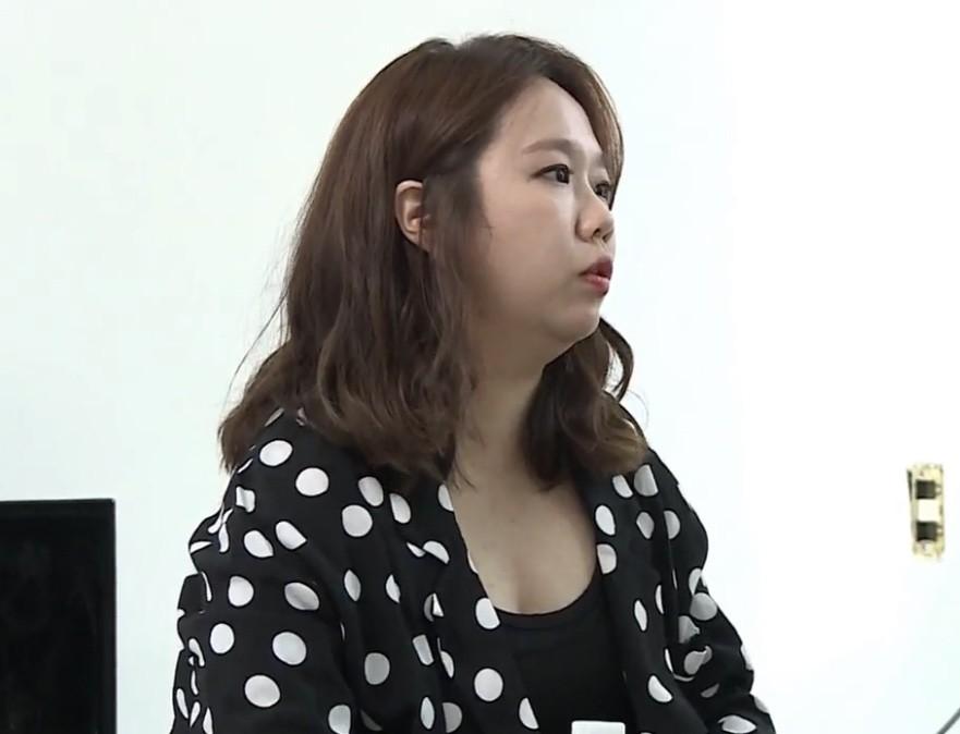 Tranh cãi việc Jennie (Black Pink) lộ nhược điểm hiếm hoi, bị ví như chị em sinh đôi với danh hài béo ú - Ảnh 2.