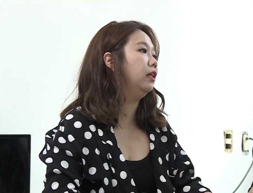 Tranh cãi việc Jennie (Black Pink) lộ nhược điểm hiếm hoi, bị ví như chị em sinh đôi với danh hài béo ú - Ảnh 4.