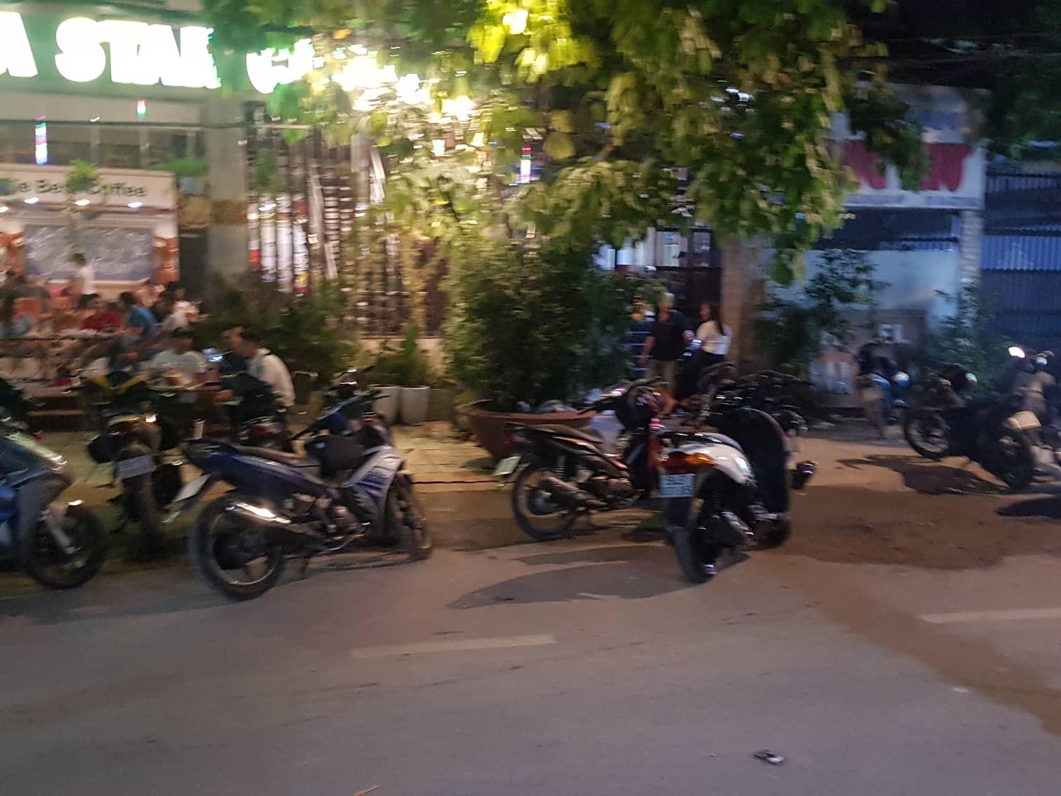 4 thanh niên cướp gần 2 tỷ sau khi dùng súng khống chế nhân viên khách sạn ở Sài Gòn - Ảnh 2.