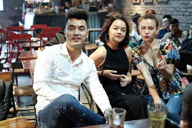 Lời tâm sự gây chú ý của Phạm Quỳnh Anh và Thu Thủy gửi tới vợ chồng Ưng Hoàng Phúc trong ngày trọng đại - Ảnh 3.