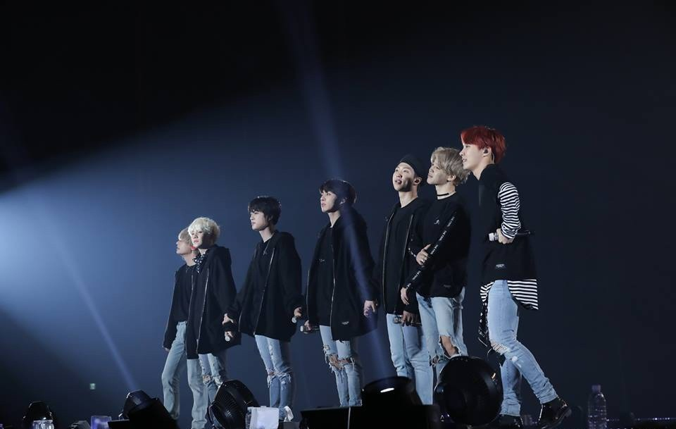 Choáng với số tiền BTS kiếm được trong tour diễn thế giới mới, gấp 5 lần so với của G-Dragon năm 2017 - Ảnh 1.