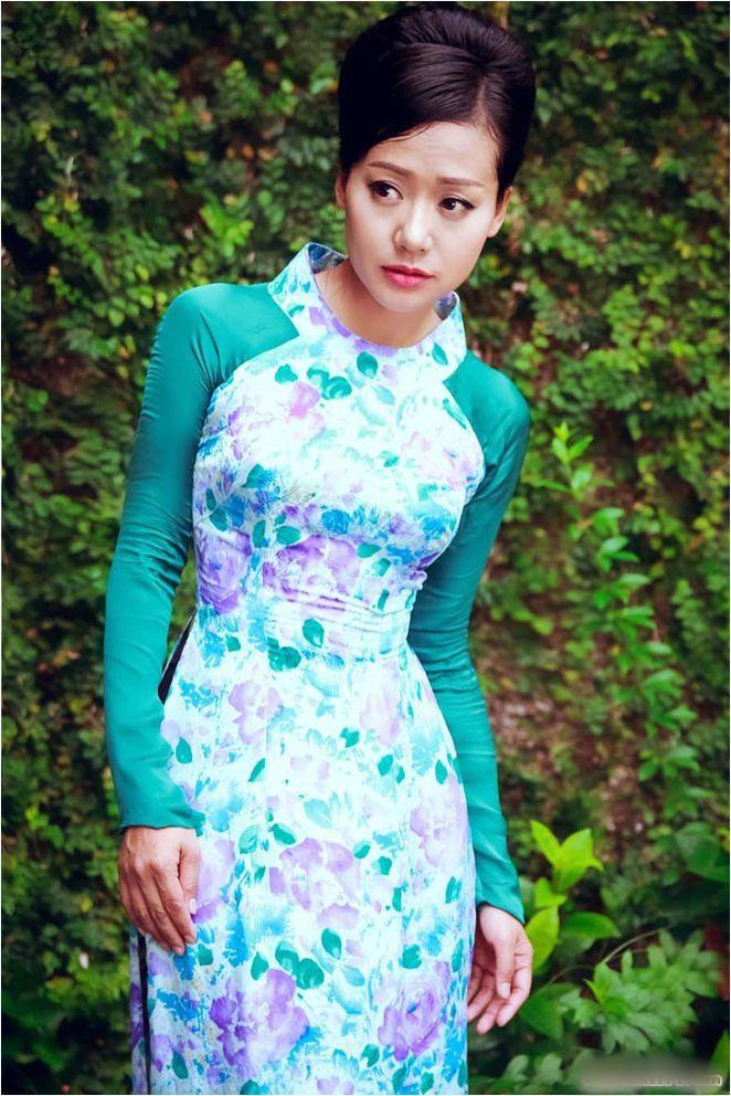 Hồng Ánh - Người nghệ sĩ gắn liền với những sắc thái xanh dương - Ảnh 3.