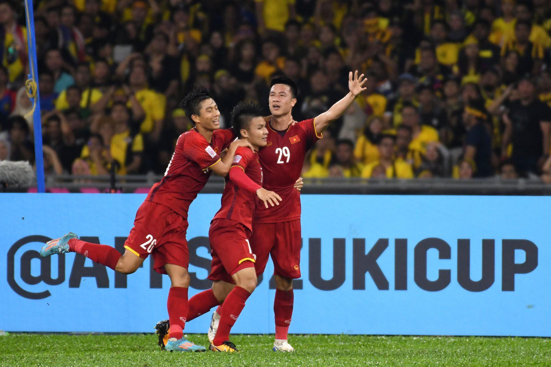Dân mạng nước ngoài hết lòng ủng hộ và tin tưởng đội tuyển Việt Nam sẽ giành ngôi vô địch AFF Cup 2018 - Ảnh 1.