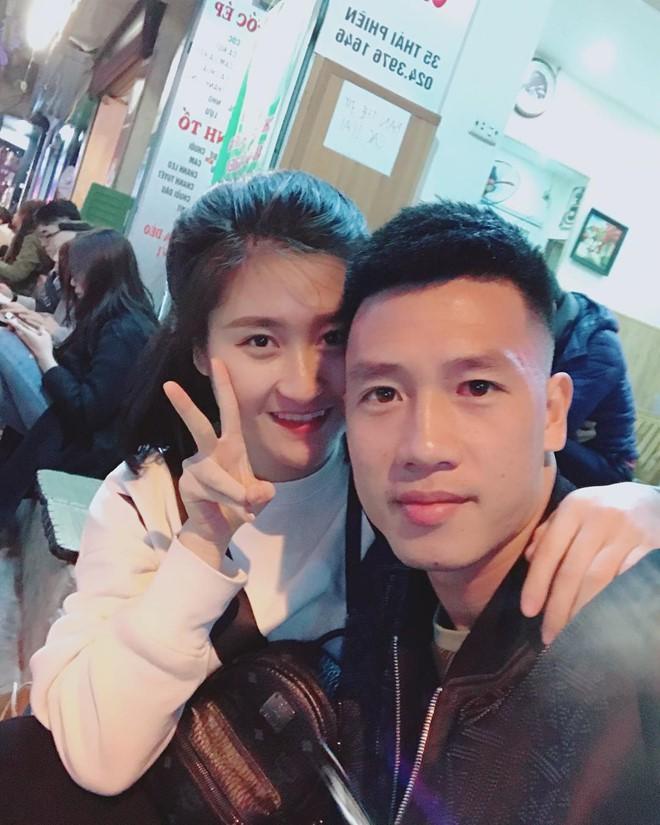 Chân dung bạn gái xinh đẹp của cầu thủ Nguyễn Huy Hùng - người mở tỉ số cho Việt Nam - Ảnh 12.