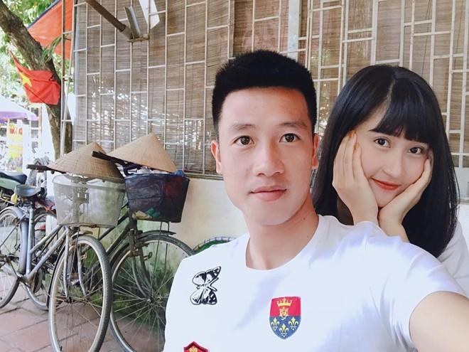 Chân dung bạn gái xinh đẹp của cầu thủ Nguyễn Huy Hùng - người mở tỉ số cho Việt Nam - Ảnh 2.