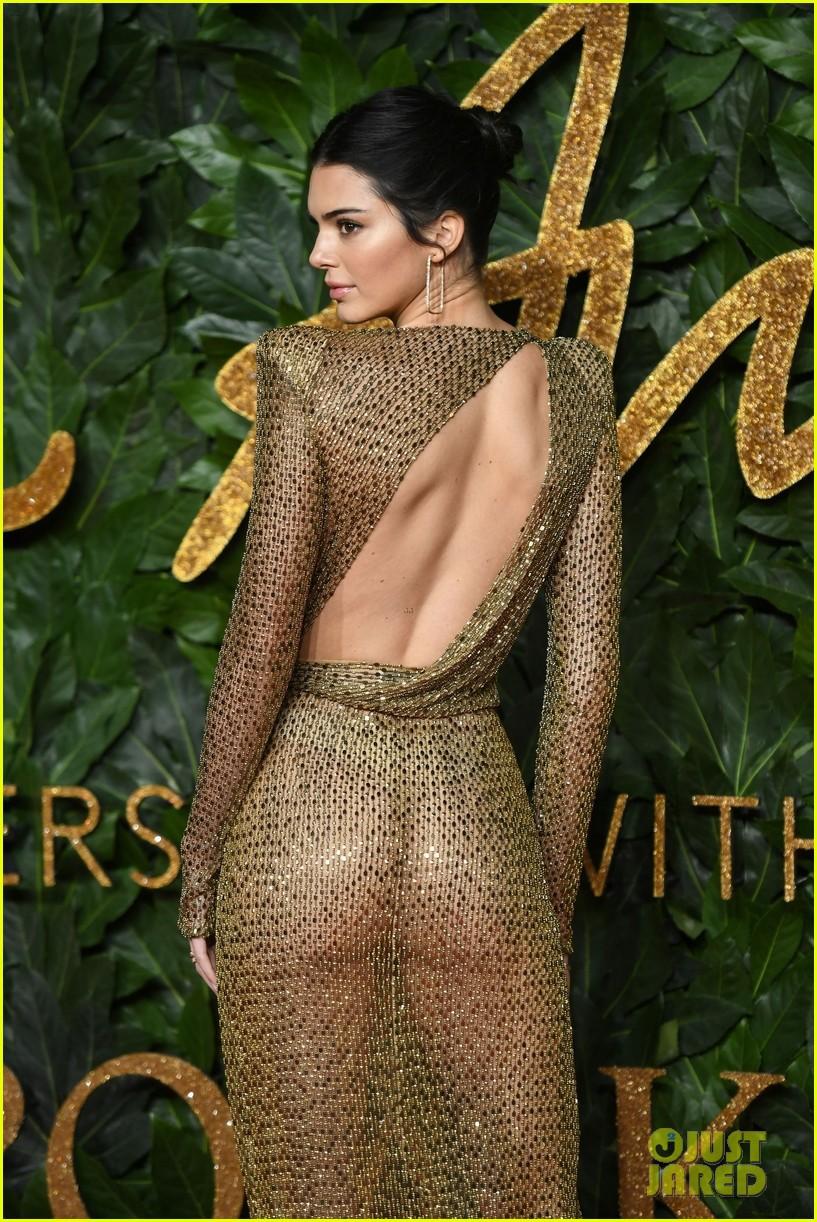 Kendall Jenner khoe vóc dáng đẹp như nữ thần, nhưng lộ lấp ló nhũ hoa vì thả rông trên thảm đỏ - Ảnh 8.