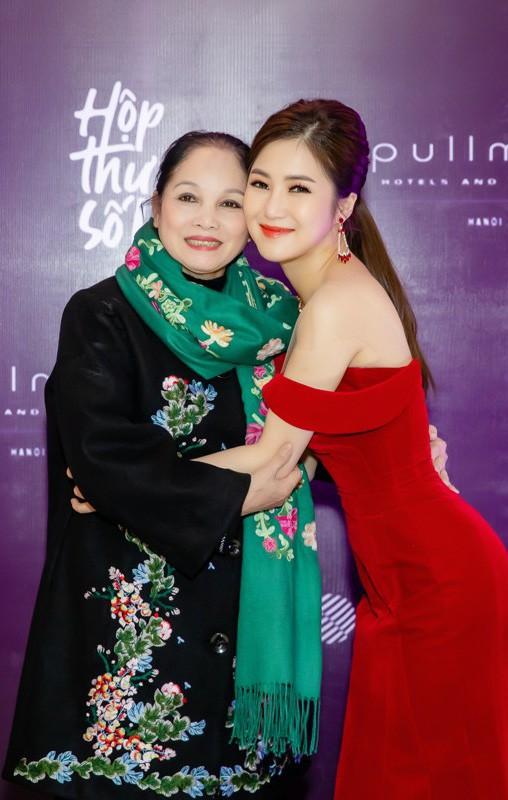 Hương Tràm: Tôi khao khát có chị Thu Minh xuất hiện trong liveshow nhưng tới giờ vẫn chỉ là tâm nguyện - Ảnh 4.