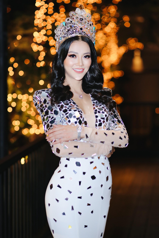 Clip: Hoa hậu Trái đất Phương Khánh bật khóc khẳng định không mua giải, ấm ức khi bị tố ăn cháo đá bát - Ảnh 2.