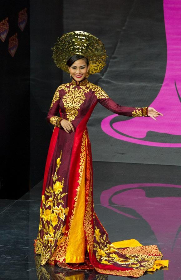 Trước Bánh Mì của H'Hen Niê, Việt Nam từng ghi dấu ấn tại Miss Universe bởi loạt quốc phục độc đáo này - Ảnh 6.