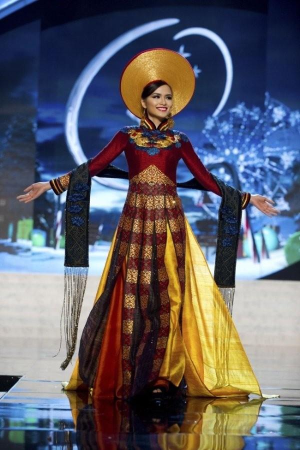 Trước Bánh Mì của H'Hen Niê, Việt Nam từng ghi dấu ấn tại Miss Universe bởi loạt quốc phục độc đáo này - Ảnh 7.