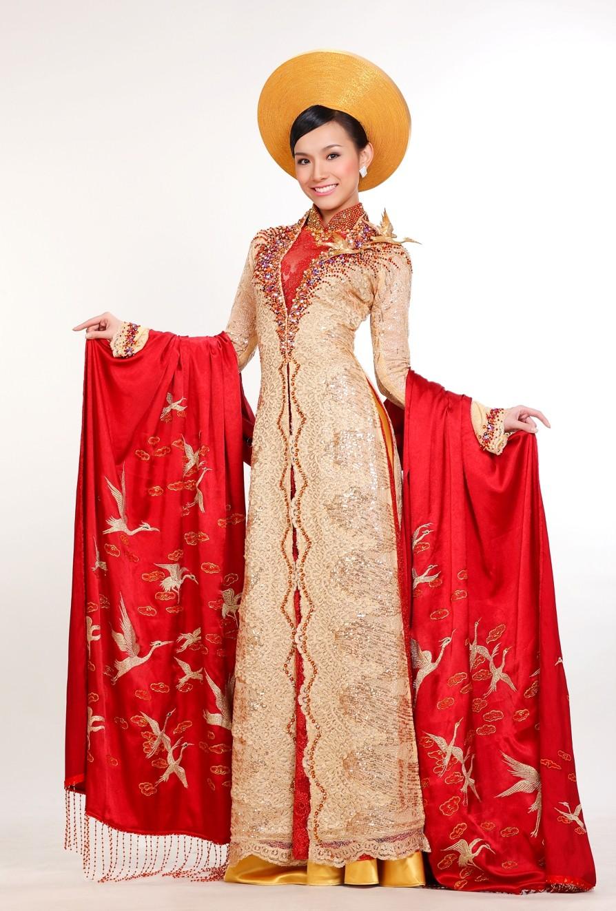 Trước Bánh Mì của H'Hen Niê, Việt Nam từng ghi dấu ấn tại Miss Universe bởi loạt quốc phục độc đáo này - Ảnh 10.