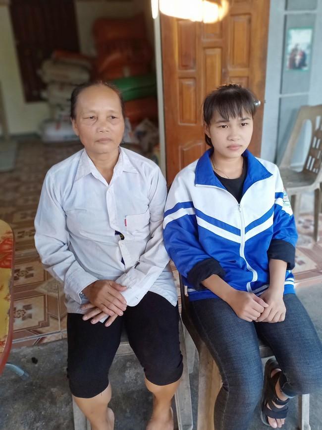 Nữ sinh mồ côi từ 7 tuổi, vừa học vừa kiếm tiền nuôi anh trai cùng mẹ khác cha khù khờ, mắc trọng bệnh - Ảnh 3.
