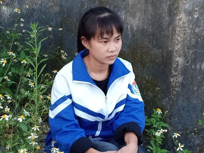 Nữ sinh mồ côi từ 7 tuổi, vừa học vừa kiếm tiền nuôi anh trai cùng mẹ khác cha khù khờ, mắc trọng bệnh - Ảnh 5.
