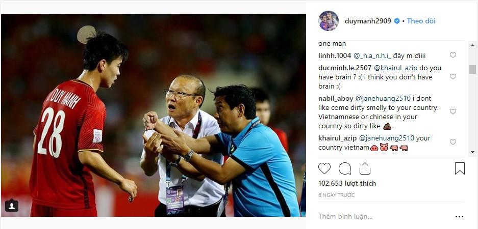Instagram của Mạnh gắt bị CĐV Malaysia tấn công - Ảnh 1.