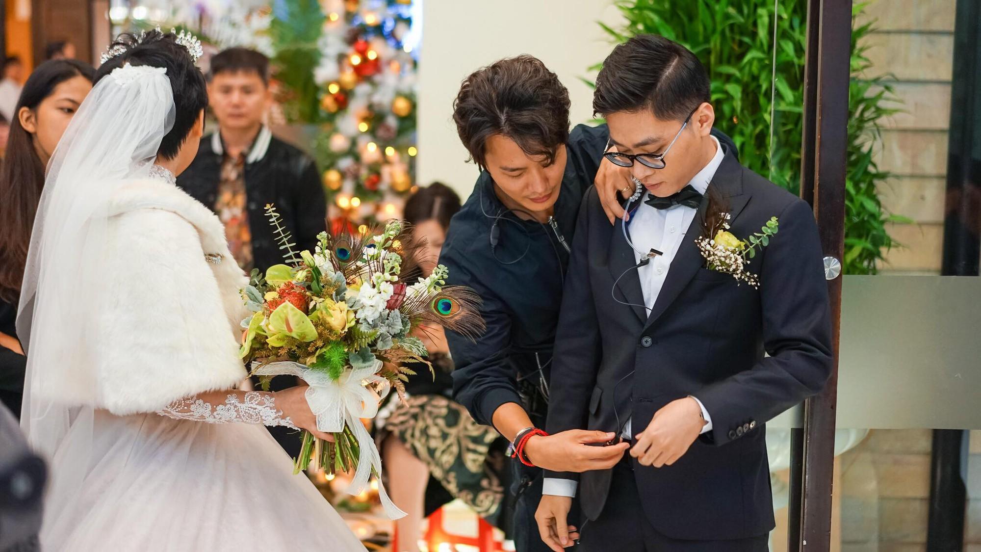 Xôn xao siêu đám cưới 4,6 tỷ ở Hải Phòng: Chú rể cưỡi bạch mã siêu xe Maybach trị giá triệu đô đón cô dâu đến hôn trường lãng mạn như truyện cổ tích - Ảnh 10.