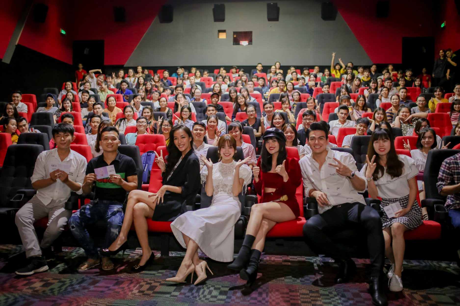 Gái Già Lắm Chiêu 2 xuất sắc thu về hơn 15 tỷ doanh thu chỉ trong 2 ngày công chiếu - Ảnh 1.