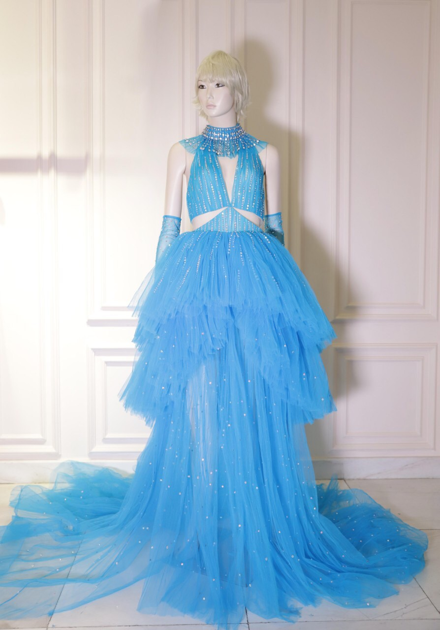Mặc đi diễn đã thành thường lệ, giờ đây Katy Perry còn diện hẳn thiết kế Công Trí trong MV mới nhất - Ảnh 3.