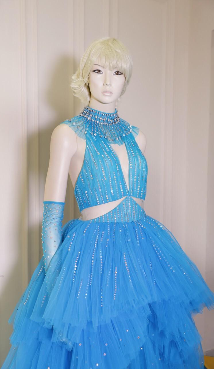 Mặc đi diễn đã thành thường lệ, giờ đây Katy Perry còn diện hẳn thiết kế Công Trí trong MV mới nhất - Ảnh 4.