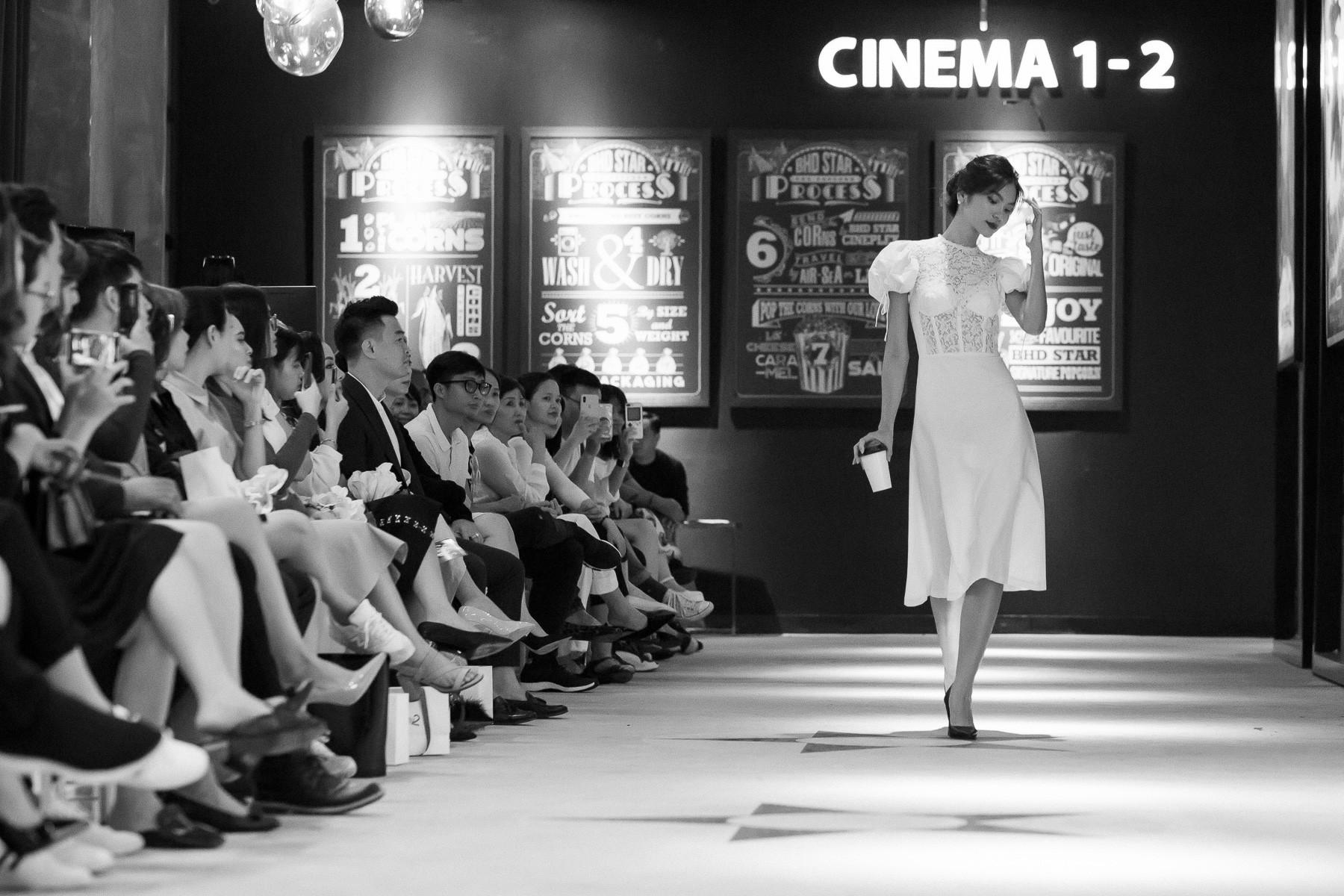 Dàn sao Gái Già Lắm Chiêu 2 bất ngờ gây náo loạn sàn catwalk, chinh phục công chúng bằng BTS ấn tượng của Lâm Gia Khang - Ảnh 10.