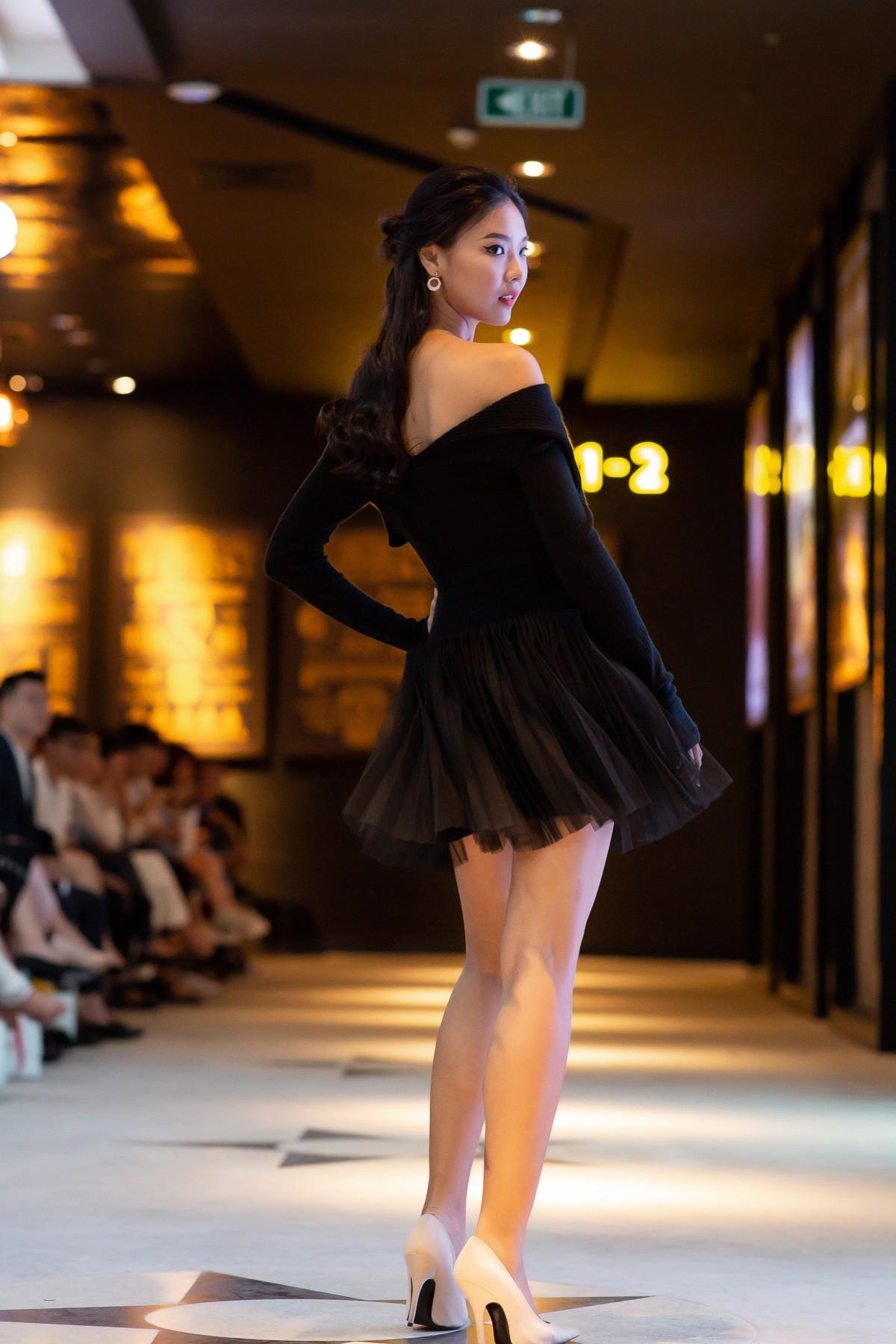 Dàn sao Gái Già Lắm Chiêu 2 bất ngờ gây náo loạn sàn catwalk, chinh phục công chúng bằng BTS ấn tượng của Lâm Gia Khang - Ảnh 13.