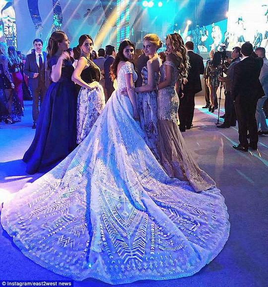 Tổng hợp những lễ cưới rình rang hoành tráng nhất thế giới năm 2018 - Ảnh 5.