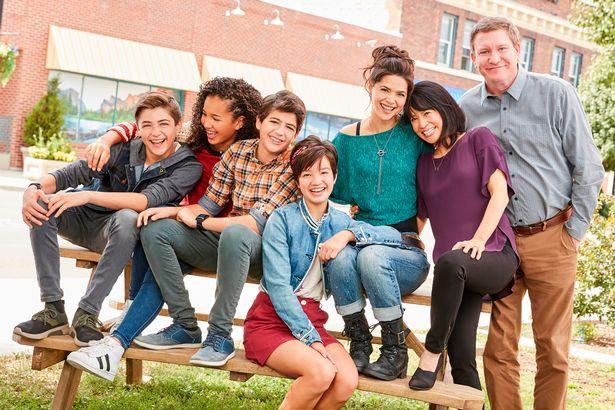 Nam diễn viên đóng phim Disney Channel bị bắt giam và sa thải vì gạ tình thiếu niên 13 tuổi - Ảnh 3.