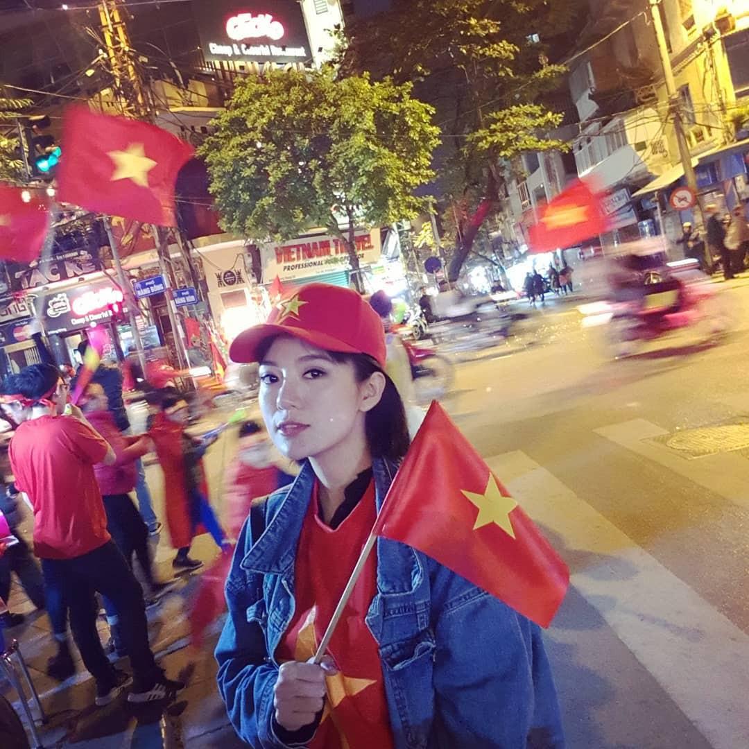 Châu Bùi, Salim, Sun HT đổ xuống phố ăn mừng Việt Nam vô địch