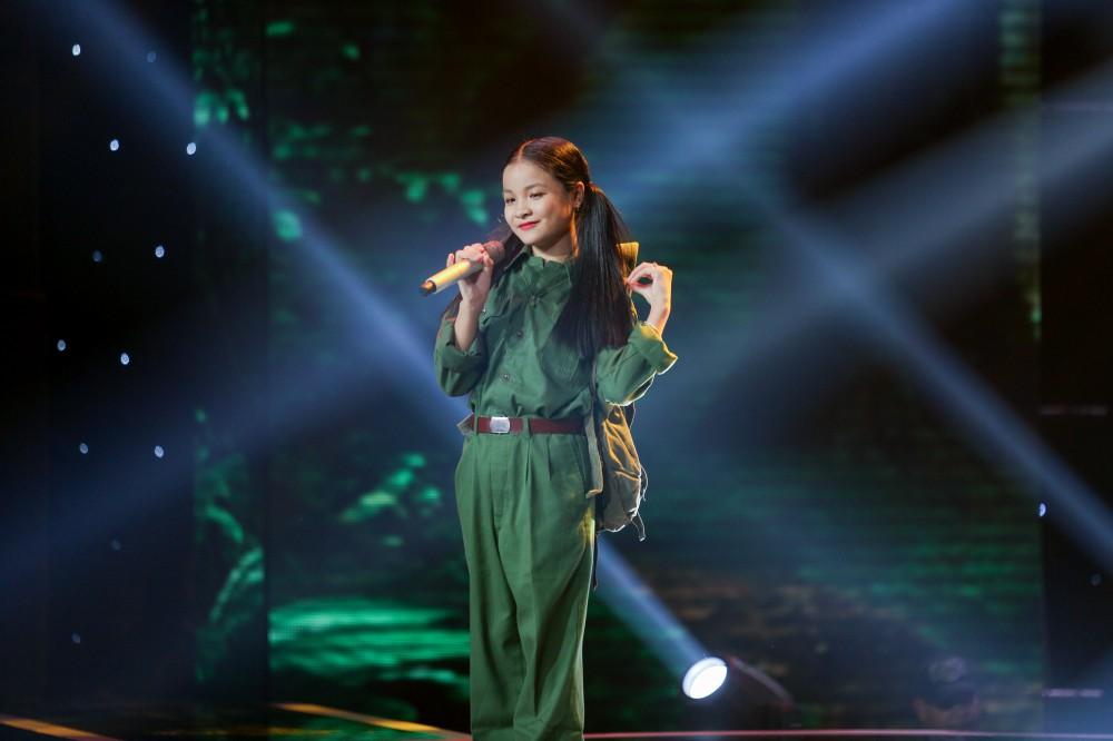 Giọng hát Việt nhí: Xuất hiện bản Mashup HongKong1 - Thằng điên khiến Soobin Hoàng Sơn bối rối - Ảnh 7.